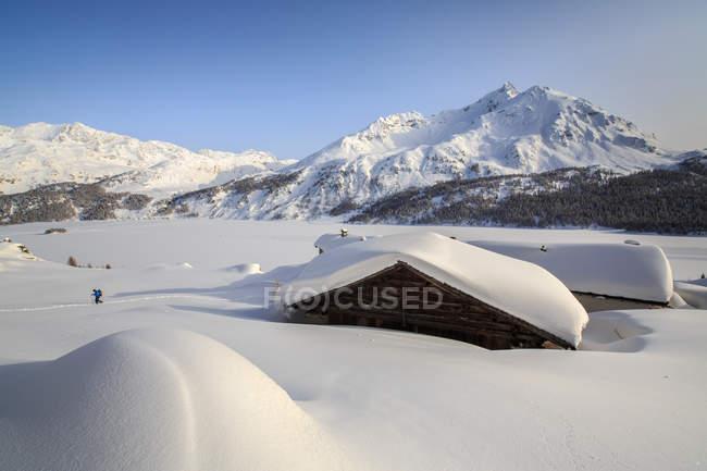 Cabanas de Spluga perto de Maloja Pass — Fotografia de Stock