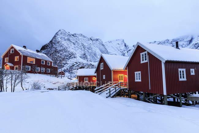 Typische norwegische Häuser — Stockfoto