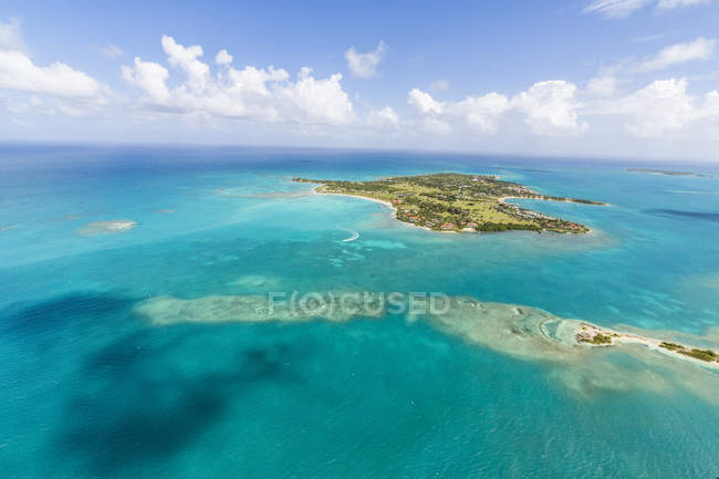 Blick auf Long Island in Antigua — Stockfoto