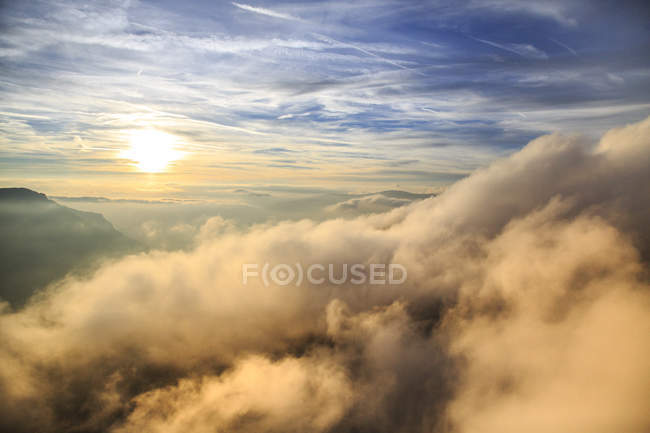 Mountain range of Odle surrounded by clouds — Stock Photo