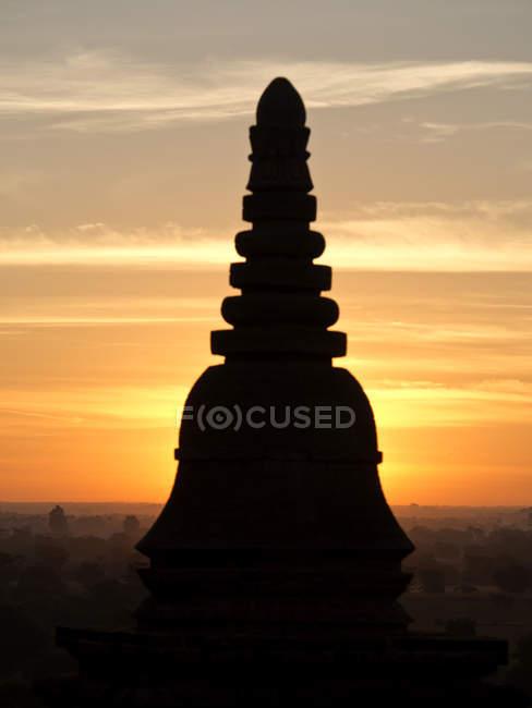 Nascer do sol em templos budistas de Bagan — Fotografia de Stock