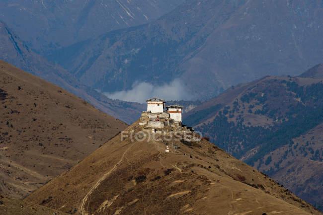 Ansicht von Lingzhi Dzong — Stockfoto