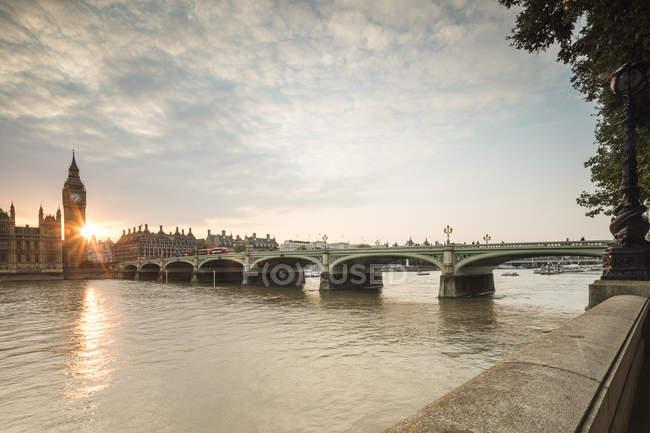 Вестмінстерський міст на Річка Темза — стокове фото