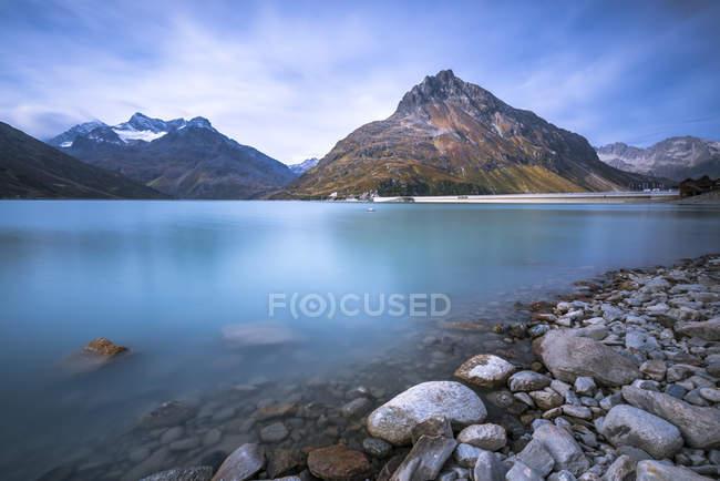Lake Silvretta Stausee on pass Bieler Hohe — Stockfoto