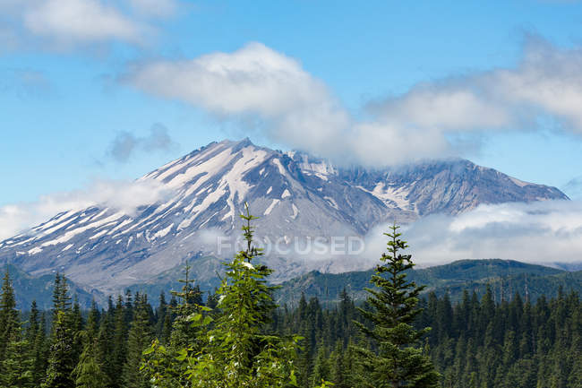 Mount St. Helens at Pacific Northwest region — Stock Photo