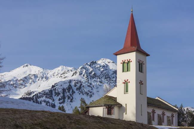 Église d'alpine blanche — Photo de stock