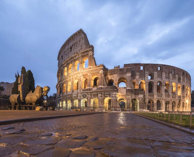 Колізей, амфітеатр Флавіїв — стокове фото