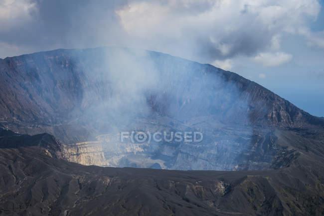 Куріння Ambrym вулкана, Вануату, тихоокеанський — стокове фото