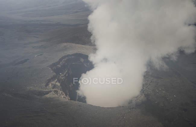 Vulcão Ambrym de fumar — Fotografia de Stock