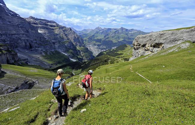 Hikers at Kleine Scheidegg, Switzerland — Stock Photo