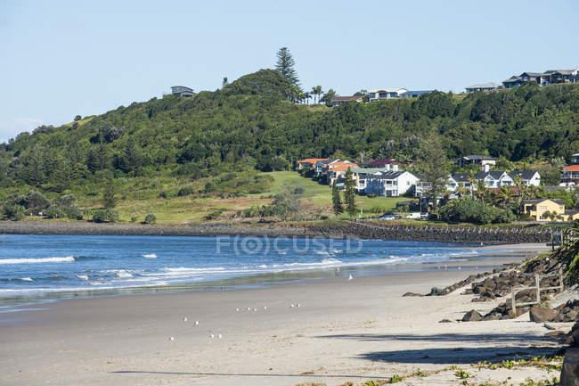 Long sandy beach in Lennox Head — Stock Photo