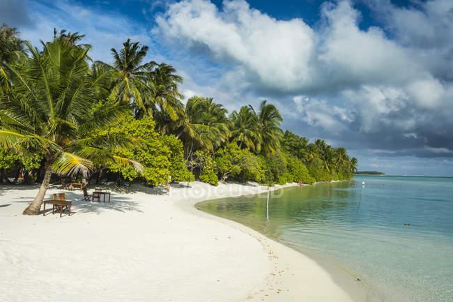 Остров Солнца курорт, Мальдивы — стоковое фото