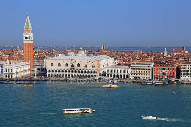Campanile and Doge's Palace, Venice — Stock Photo