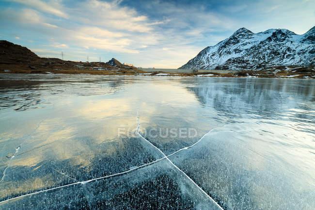 Tramonto su congelati Lej Nair — Foto stock