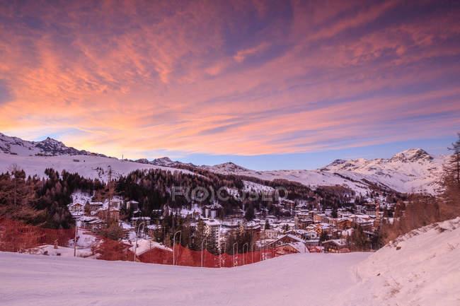 Nuvole rosa al tramonto — Foto stock