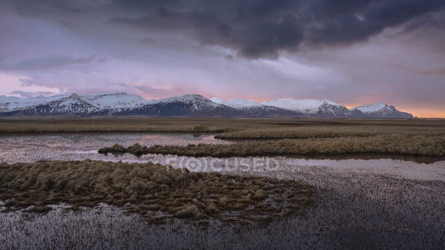 Mountains and lakes in east Iceland — Foto stock