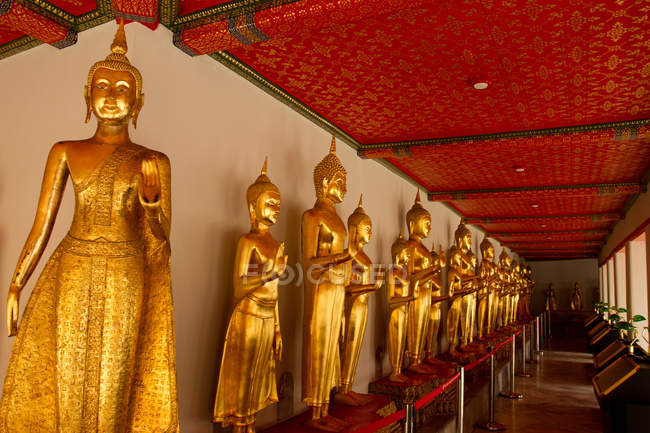 Buddhas in Wat Pho — Stock Photo