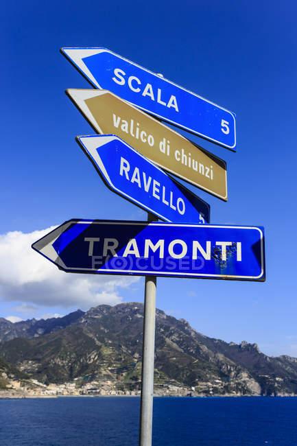 Segno della strada costiera, Costiera Amalfitana — Foto stock