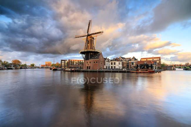 Windmill De Adriaan — Stock Photo