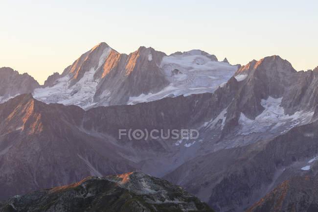Pic rocheux de Cima Presanella — Photo de stock