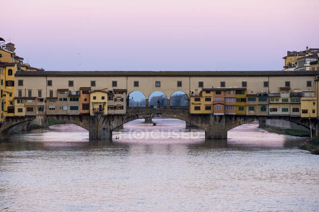 Ponte Vecchio at sunrise — Stock Photo