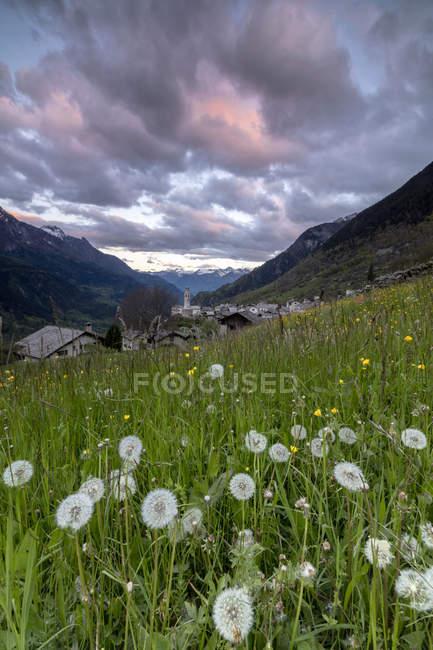 Pueblo alpino de Soglio - foto de stock