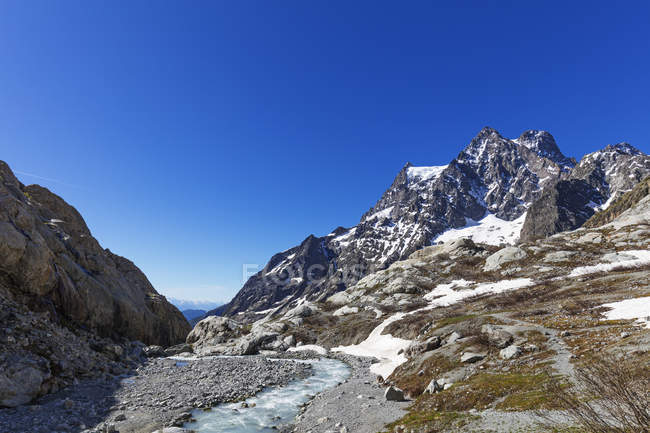 Barre des Ecrins, glacial river — Stock Photo