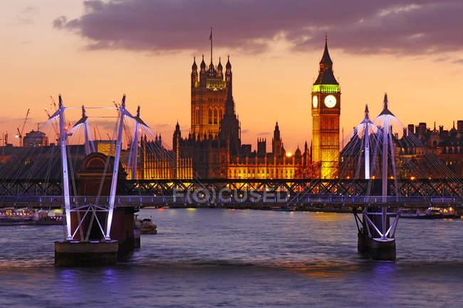 Orizzonte di Londra al crepuscolo con Big Ben — Foto stock