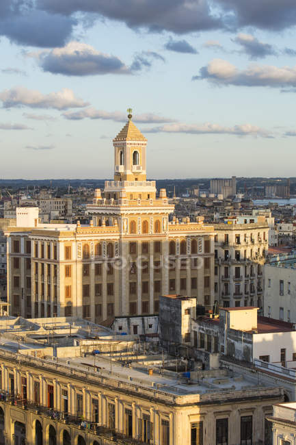 Architektur im Malecon Bezirk — Stockfoto