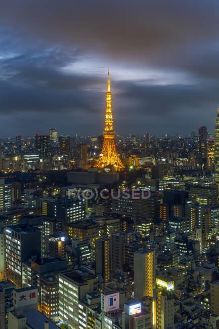 Tour de Tokyo lumineux emblématique — Photo de stock