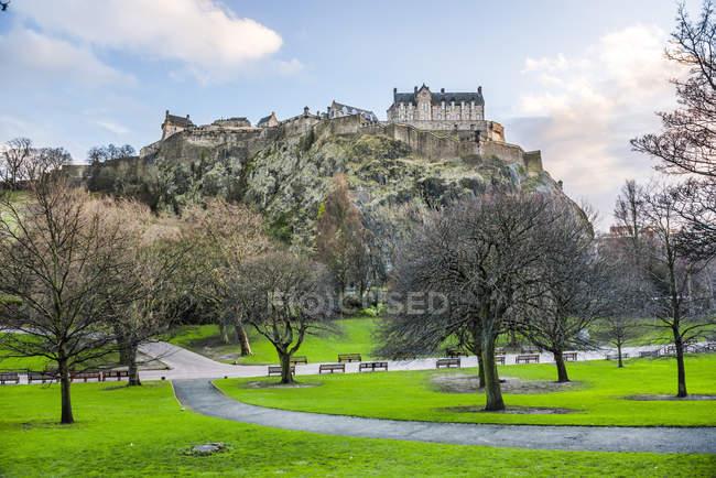 Edinburgh Castle and Princes Street Gardens — Stock Photo | #171925628