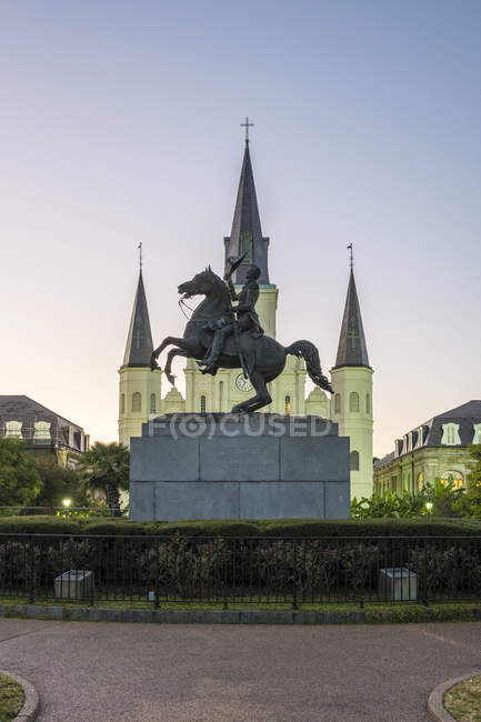 Jackson Square and Saint Louis Cathedral — Stock Photo