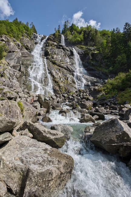 Роки Nardis водопады — стоковое фото