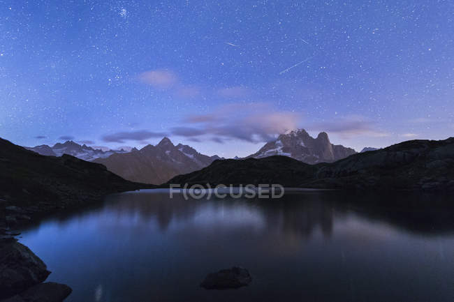 Rocky peaks of Les Drus and Aiguille Verte — Stock Photo