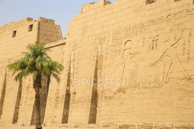 Храм Рамзеса Iii в Medinet Habu — стокове фото