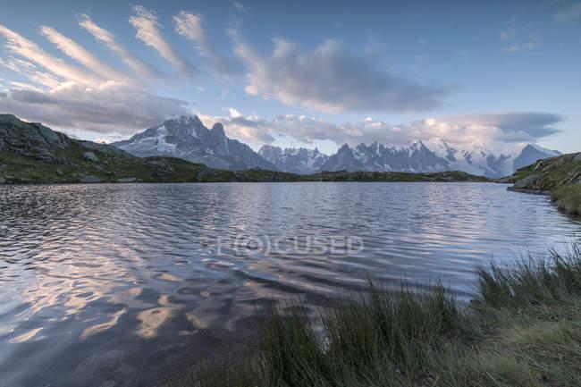 Sunrise on Mont Blanc massif — Stock Photo