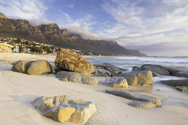 Camps Bay with rocks — Stock Photo