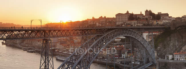 Ponte Dom Luis I Bridge at sunset — Stock Photo
