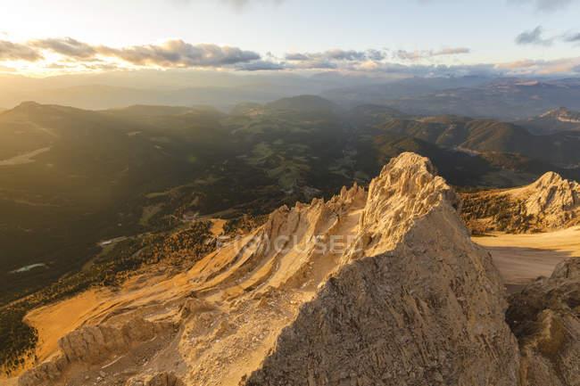 Le massif de Latemar et Obereggen au coucher du soleil — Photo de stock