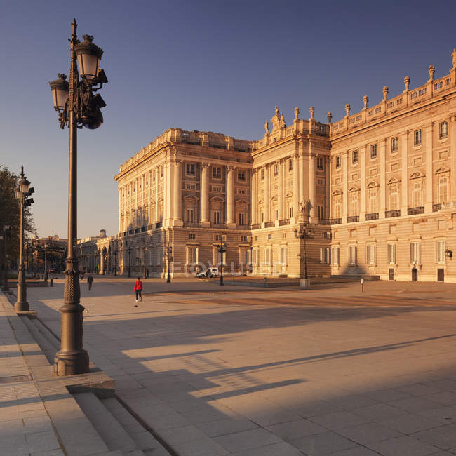 Palazzo reale al tramonto — Foto stock