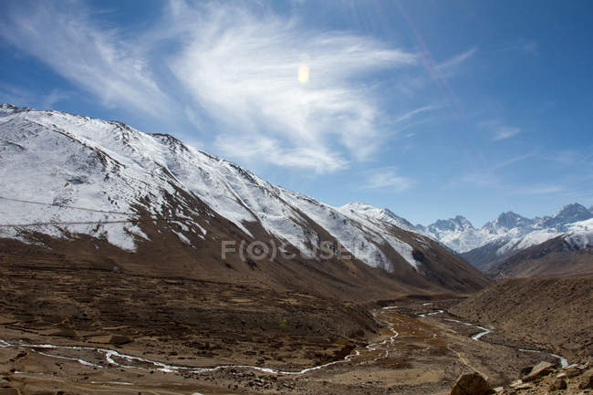 Mountain landscapes of Southern Tibet — Stock Photo