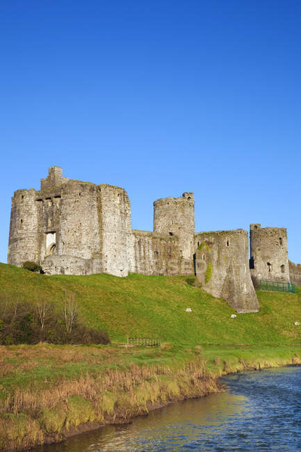 Ruins of Kidwelly Castle — Stock Photo