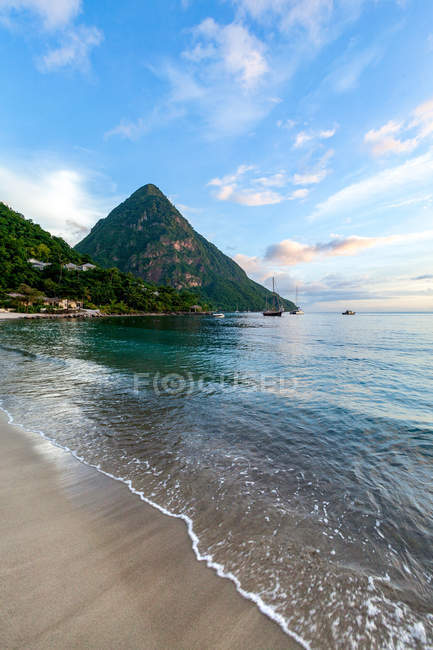 Gros Piton and Sugar Beach at dusk — Stock Photo