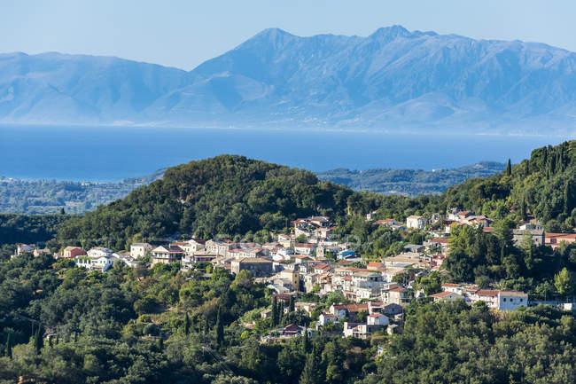 Маленькая горная деревня — стоковое фото