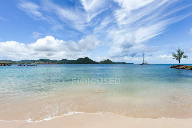 Clear water at Rodney Bay — Stock Photo