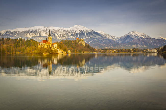 Lake Bled and Santa Maria Church — Stock Photo