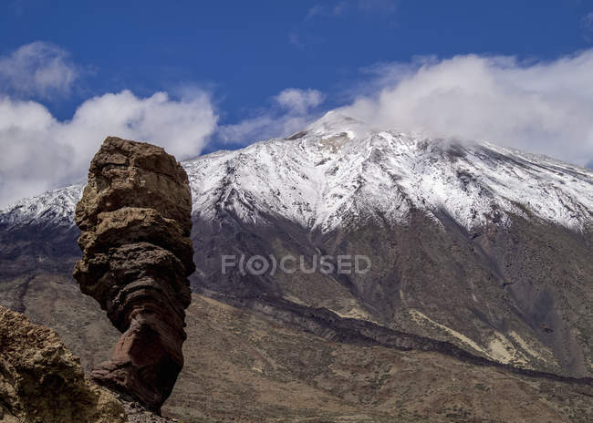 Teide Mountain covered with snow — Stock Photo