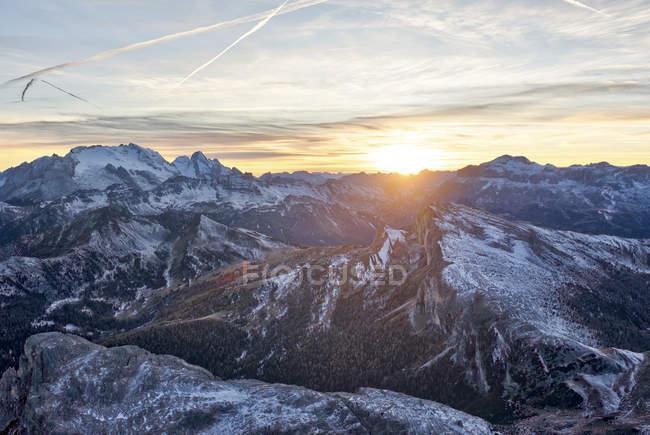 Montagne de la Marmolada au coucher du soleil — Photo de stock