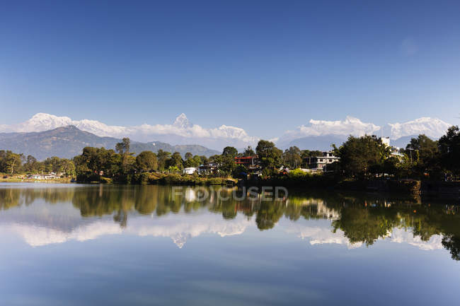 Reflection of Annapurna mountain range and Fishtail mountain, Pokara, Nepal, Himalayas, Asia — Stock Photo