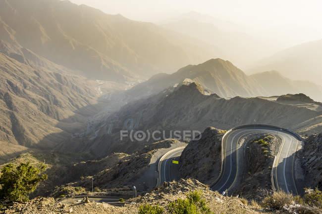 Paisagens montanhosas e viagenzinha ao redor de Mount Souda, Abha, Arábia Saudita, Oriente Médio — Fotografia de Stock